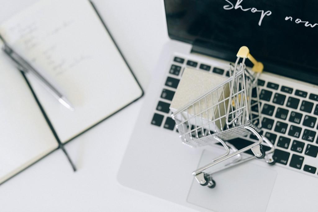E-commerce logistics strategies